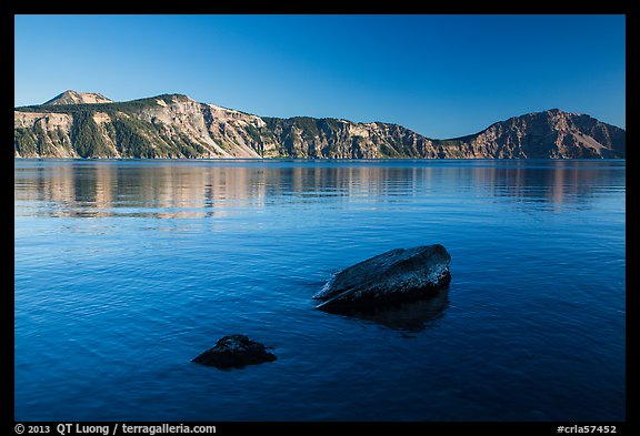 Rocks in lake, Cleetwood Cove. Crater Lake National Park (color)