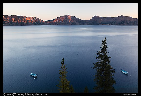 Tour boats and south rim at sunset, Cleetwood Cove. Crater Lake National Park (color)