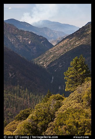 Valley carved by the Kings River. Kings Canyon National Park (color)