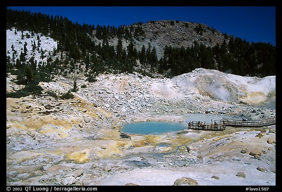 Colorful deposits and turquoise pool in Bumpass Hell thermal area. Lassen Volcanic National Park, California, USA.