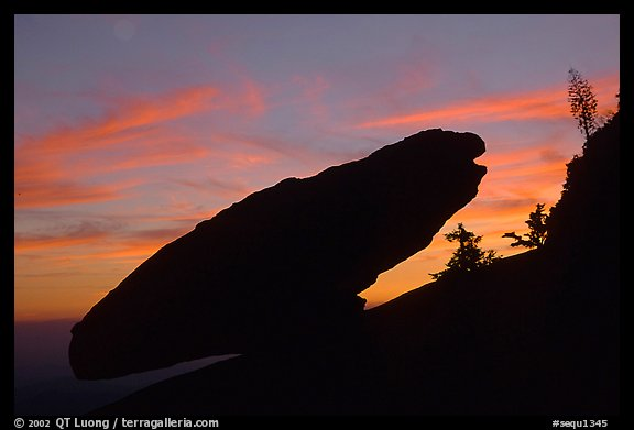 Balanced rock, sunset. Sequoia National Park, California, USA.