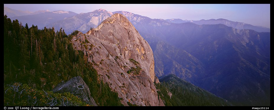 Moro rock. Sequoia National Park (color)