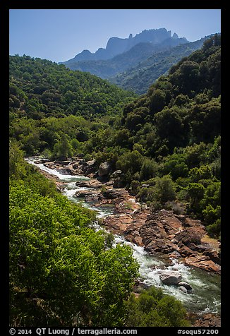 Middle Fork of the Kaweah River near Buckeye Flat. Sequoia National Park (color)