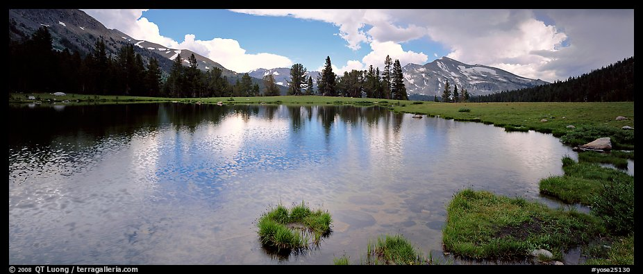 Alpine tarn near Tioga Pass. Yosemite National Park (color)