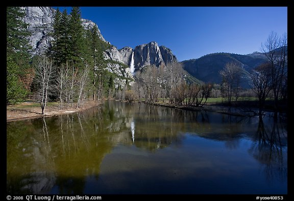 Merced River and Upper Yosemite Falls. Yosemite National Park, California, USA.