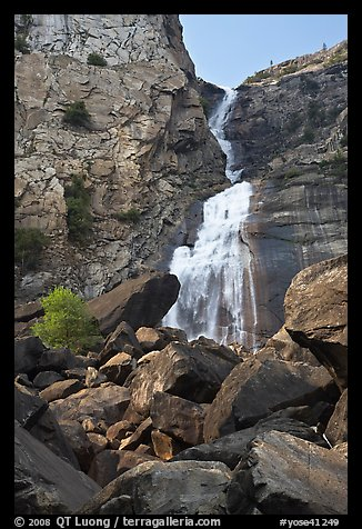Boulders, Wapama Falls, and rock wall, Hetch Hetchy. Yosemite National Park (color)