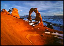 Delicate Arch, winter sunset. Arches National Park, Utah, USA.