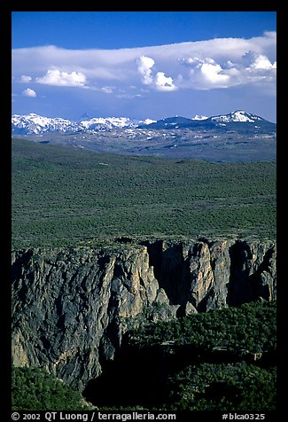 canyon from  North vista trail. Black Canyon of the Gunnison National Park (color)