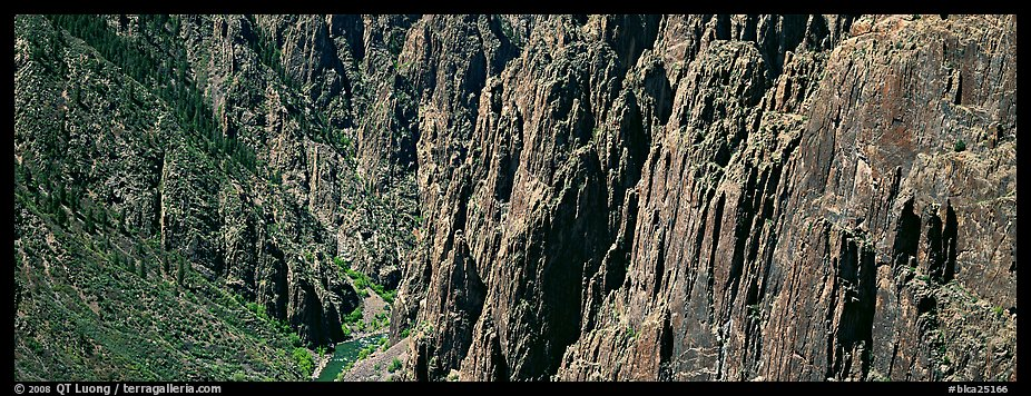 Spires and vertical rock walls. Black Canyon of the Gunnison National Park (color)