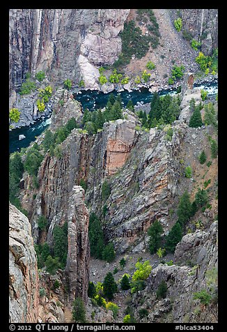 Crags and Gunnison River seen from above. Black Canyon of the Gunnison National Park (color)