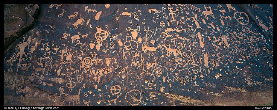 Petroglyphs Utah Newspaper Rock Slab Newspaper Rock Utah