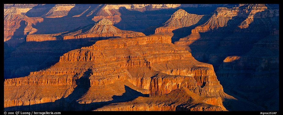 Canyon buttes. Grand Canyon National Park (color)