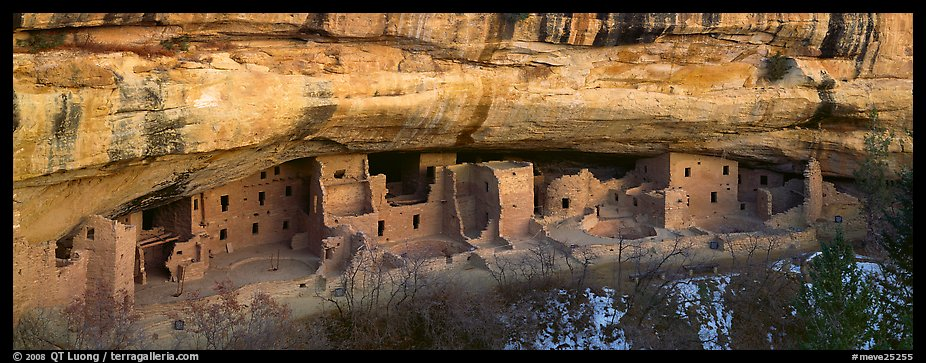 Spruce Tree House under rock overhang. Mesa Verde National Park (color)
