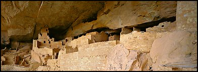 Cliff Palace, largest Anasazi cliff dwelling. Mesa Verde National Park, Colorado, USA.