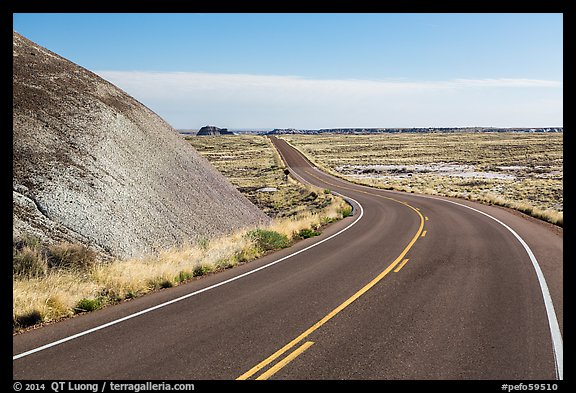 Road near the Flattops. Petrified Forest National Park (color)