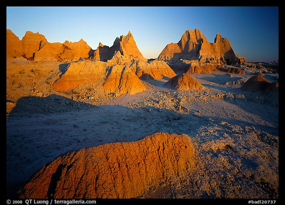 Mudstone formations, Cedar Pass, sunrise. Badlands National Park (color)