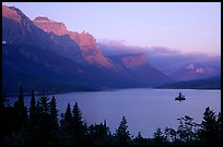 St Mary Lake and Wild Goose Island, sunrise. Glacier National Park, Montana, USA.