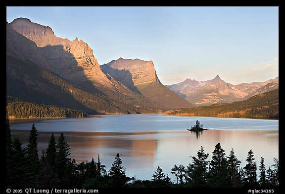 St Mary Lake, Wild Goose Island, sunrise. Glacier National Park (color)