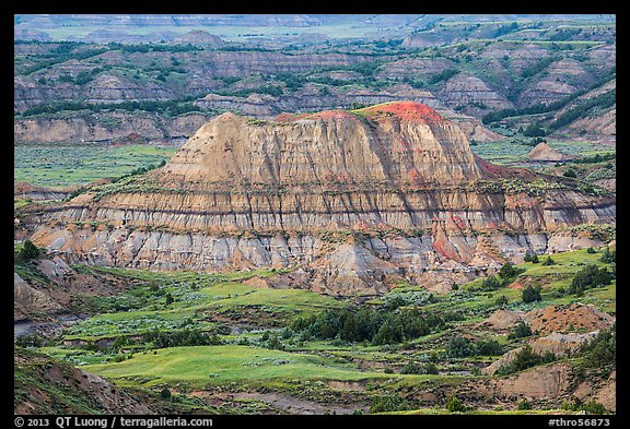 Butte with red scoria cap, Painted Canyon. Theodore Roosevelt National Park (color)