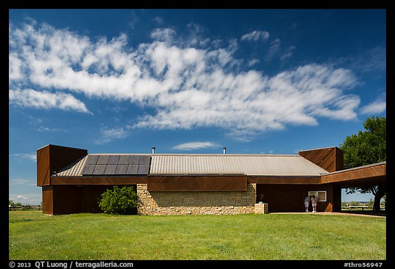 Painted Canyon Visitor Center. Theodore Roosevelt National Park (color)