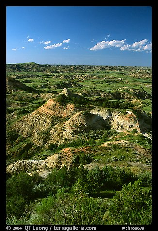 Painted Canyon, late afternoon. Theodore Roosevelt National Park, North Dakota, USA.