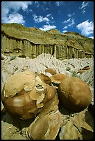 Cannon ball concretions and erosion formations. Theodore Roosevelt National Park, North Dakota, USA.