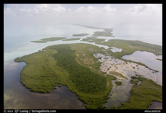 Aerial view of whole chain of keys. Biscayne National Park (color)