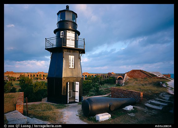 Lighthouse and cannon on upper level of Fort Jefferson. Dry Tortugas National Park (color)
