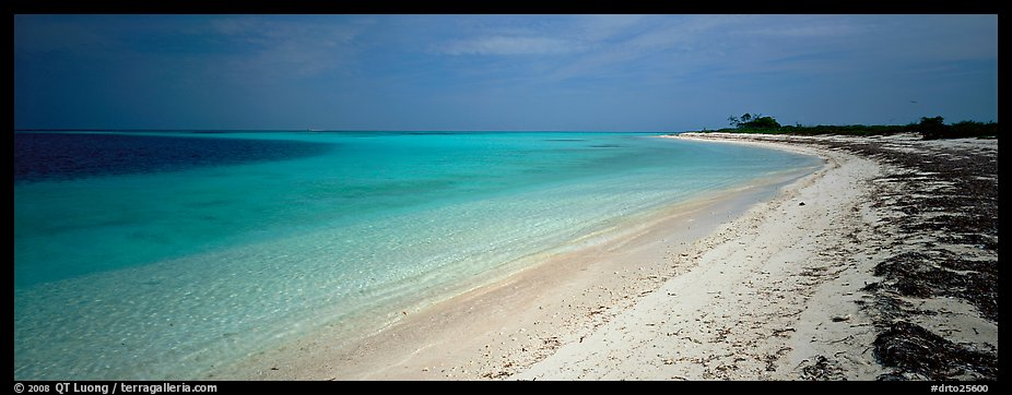 Deserted tropical beach with turquoise water. Dry Tortugas National Park (color)