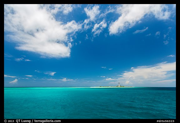 Turquoise ocean waters and Loggerhead key. Dry Tortugas National Park (color)