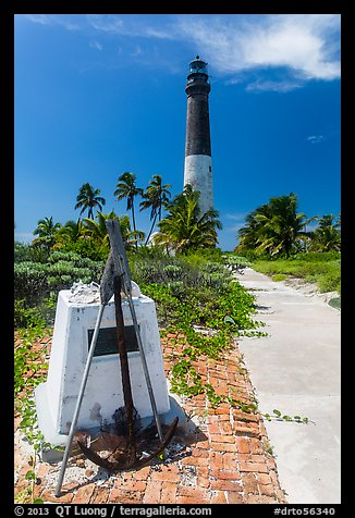 Memorail and Loggerhead Light. Dry Tortugas National Park (color)