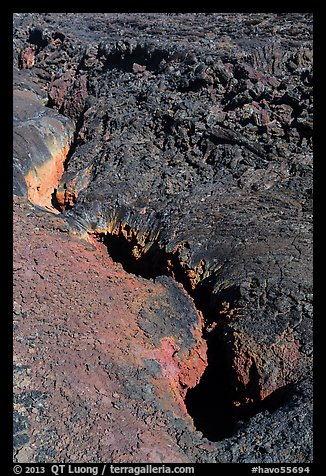 Colorful lava fissure, Mauna Loa. Hawaii Volcanoes National Park (color)