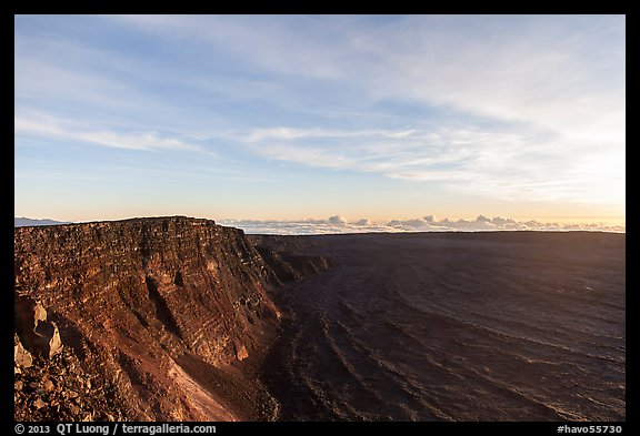 Mauna Loa summit cliffs, Mokuaweoweo crater at sunrise. Hawaii Volcanoes National Park (color)