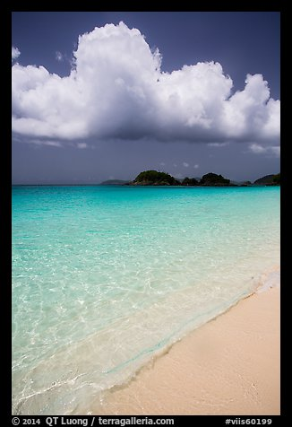 Sand, urquoise waters, and Trunk Cay, Trunk Bay. Virgin Islands National Park (color)
