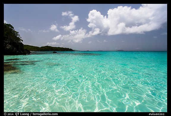 Turquoise clear waters, Trunk Bay Beach. Virgin Islands National Park (color)