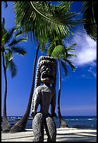 Polynesian idol, Place of Refuge, Puuhonua o Honauau National Historical Park. Big Island, Hawaii, USA ( color)