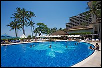 Swimming pool, Halekulani hotel. Waikiki, Honolulu, Oahu island, Hawaii, USA (color)