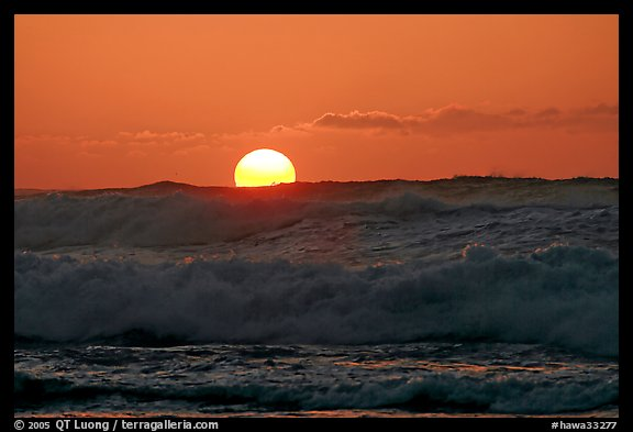 Big waves and sunset, Kee Beach. North shore, Kauai island, Hawaii, USA (color)