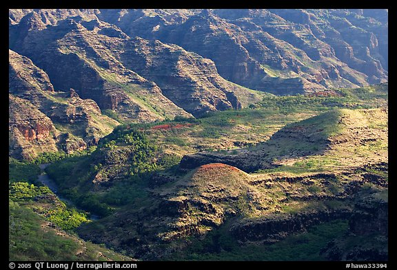 Ridges and buttes, lower Waimea Canyon, early morning. Kauai island, Hawaii, USA (color)