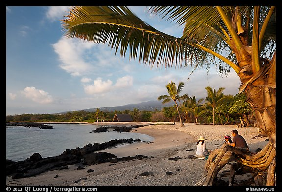 Evening on Honokohau Beach, Kaloko-Honokohau National Historical Park. Hawaii, USA (color)