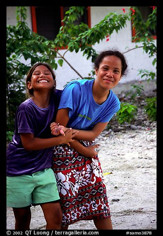 Picture/Photo: Girls in Aunuu village. Aunuu Island ...