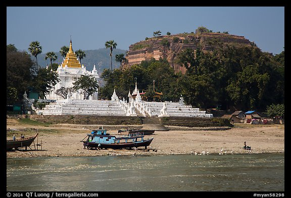 Settawya Pagoda and unfinished Mingun Pagoda from river, Mingun. Myanmar (color)