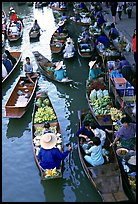 Traditional floating market. Damonoen Saduak, Thailand