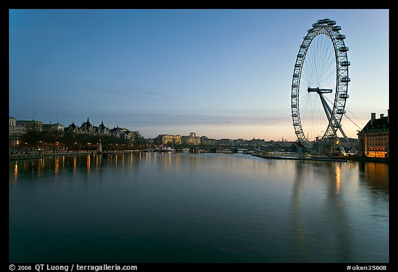 Thames River and Millennium Wheel at dawn. London, England, United Kingdom (color)