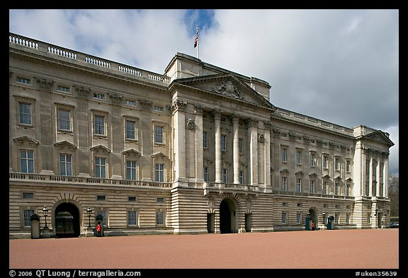 Buckingham Palace, morning. London, England, United Kingdom (color)