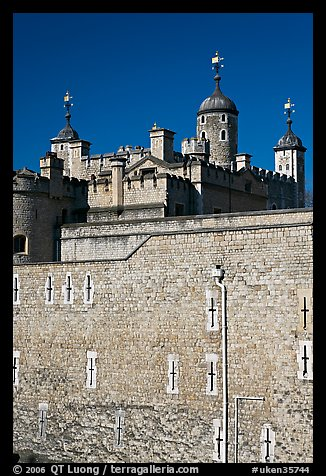 Outer rampart and White Tower, Tower of London. London, England, United Kingdom