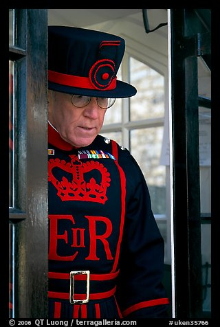 Yeoman Warder (Beefeater), Tower of London. London, England, United Kingdom (color)