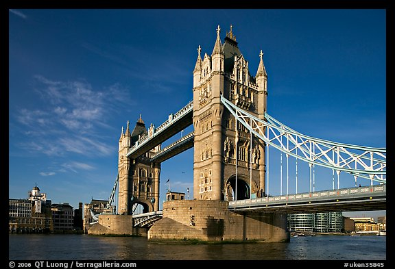 Tower Bridge, early morning. London, England, United Kingdom (color)