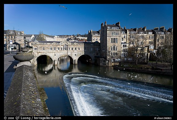 Weir on the Avon River and Pulteney Bridge. Bath, Somerset, England, United Kingdom (color)