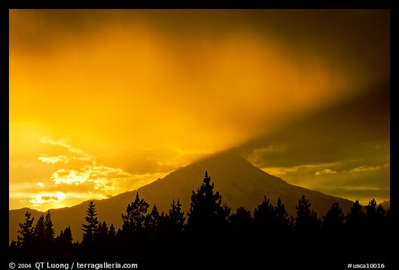 Last sun rays over  Mount Shasta. California, USA